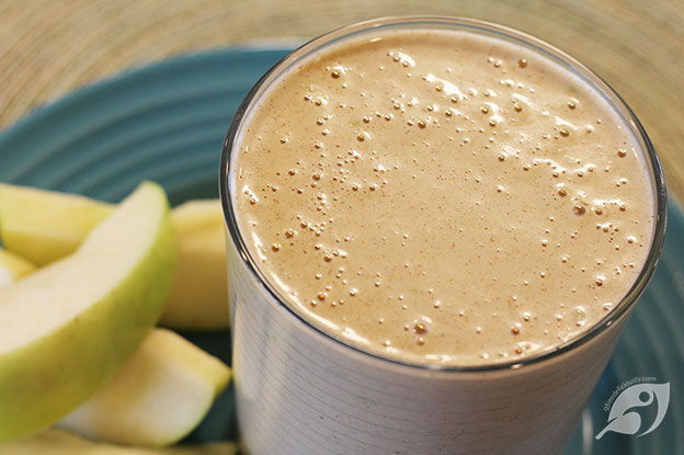 Gluten-Free Food: Chocolate Almond Apple Oatmeal Protein Shake