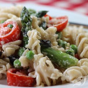 Asparagus and Pea Macaroni Salad ready to eat